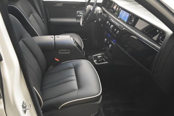 Used 2014 Rolls-Royce Phantom for sale Sold at Rolls-Royce Motor Cars Greenwich in Greenwich CT 06830 27