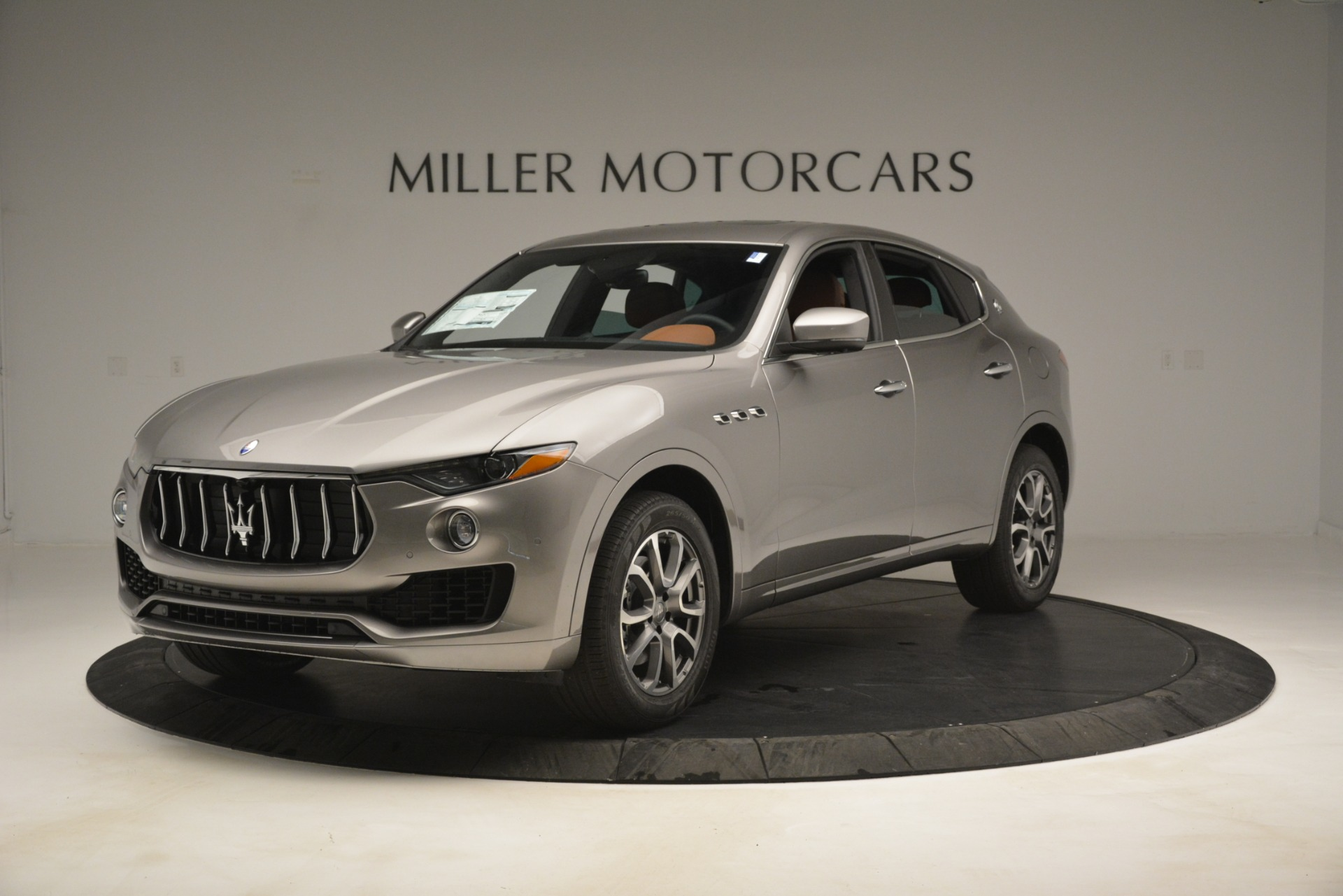 New 2019 Maserati Levante Q4 for sale $59,900 at Rolls-Royce Motor Cars Greenwich in Greenwich CT 06830 1