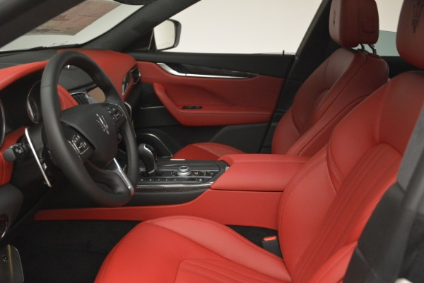 New 2019 Maserati Levante S Q4 GranLusso for sale Sold at Rolls-Royce Motor Cars Greenwich in Greenwich CT 06830 14