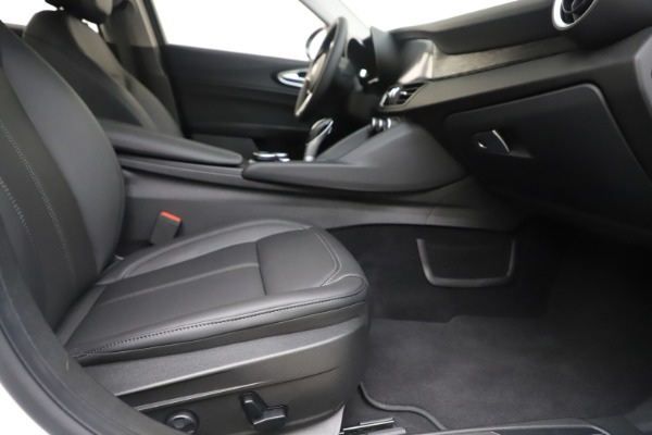 New 2019 Alfa Romeo Giulia Q4 for sale Sold at Rolls-Royce Motor Cars Greenwich in Greenwich CT 06830 23