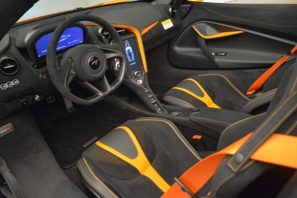 New 2020 McLaren 720S Spider for sale Sold at Rolls-Royce Motor Cars Greenwich in Greenwich CT 06830 24
