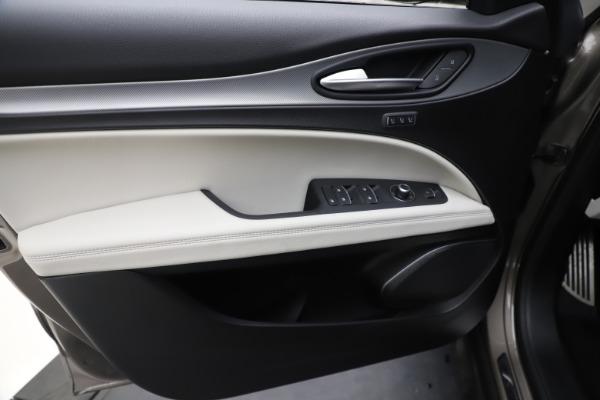 New 2019 Alfa Romeo Stelvio Ti Sport Q4 for sale Sold at Rolls-Royce Motor Cars Greenwich in Greenwich CT 06830 17