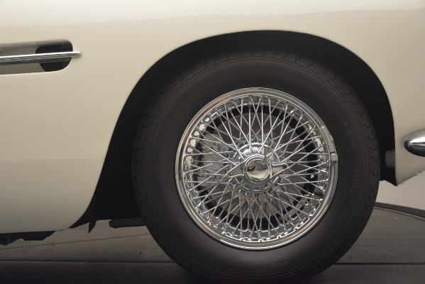 Used 1961 Aston Martin DB4 Series IV Coupe for sale $625,900 at Rolls-Royce Motor Cars Greenwich in Greenwich CT 06830 16