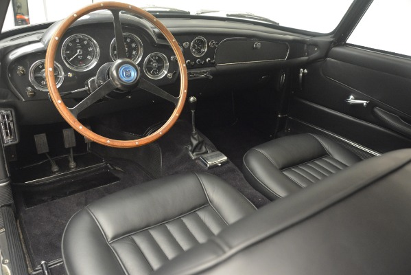 Used 1961 Aston Martin DB4 Series IV Coupe for sale $625,900 at Rolls-Royce Motor Cars Greenwich in Greenwich CT 06830 21