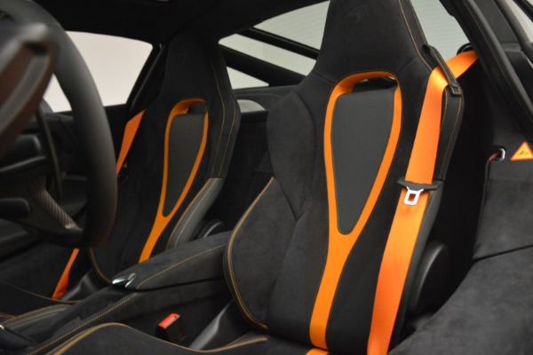 Used 2018 McLaren 720S Coupe for sale Sold at Rolls-Royce Motor Cars Greenwich in Greenwich CT 06830 17