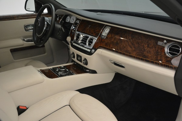 Used 2016 Rolls-Royce Ghost for sale Sold at Rolls-Royce Motor Cars Greenwich in Greenwich CT 06830 17