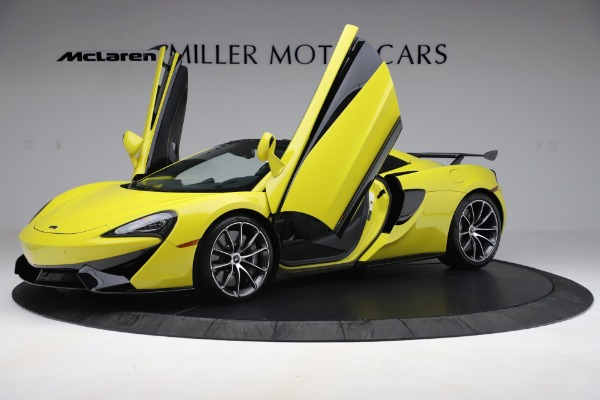 New 2019 McLaren 570S SPIDER Convertible for sale $227,660 at Rolls-Royce Motor Cars Greenwich in Greenwich CT 06830 18