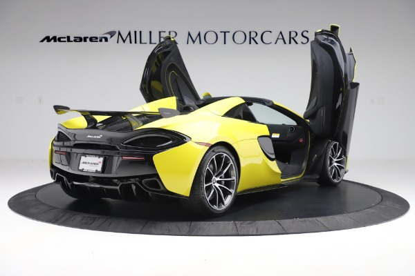 New 2019 McLaren 570S SPIDER Convertible for sale $227,660 at Rolls-Royce Motor Cars Greenwich in Greenwich CT 06830 21