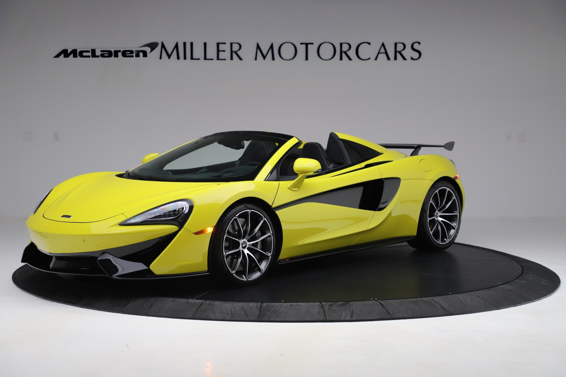 New 2019 McLaren 570S SPIDER Convertible for sale $227,660 at Rolls-Royce Motor Cars Greenwich in Greenwich CT 06830 1