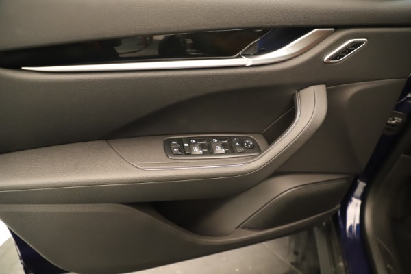 New 2019 Maserati Levante Q4 for sale Sold at Rolls-Royce Motor Cars Greenwich in Greenwich CT 06830 17