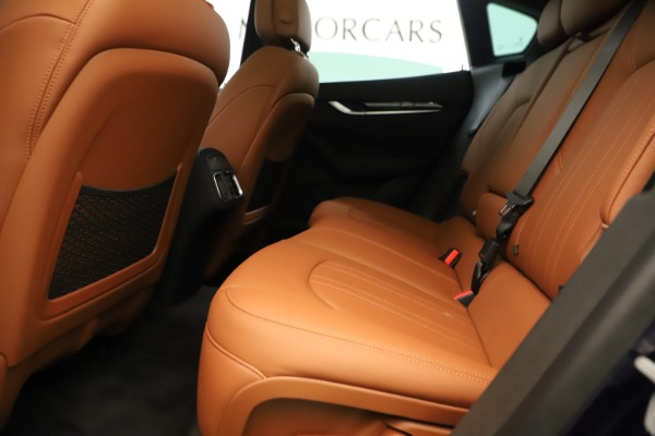 New 2019 Maserati Levante Q4 for sale Sold at Rolls-Royce Motor Cars Greenwich in Greenwich CT 06830 19