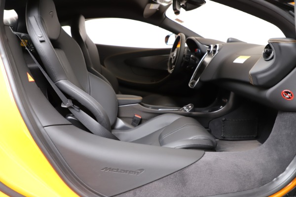 New 2019 McLaren 600LT Coupe for sale $279,310 at Rolls-Royce Motor Cars Greenwich in Greenwich CT 06830 18