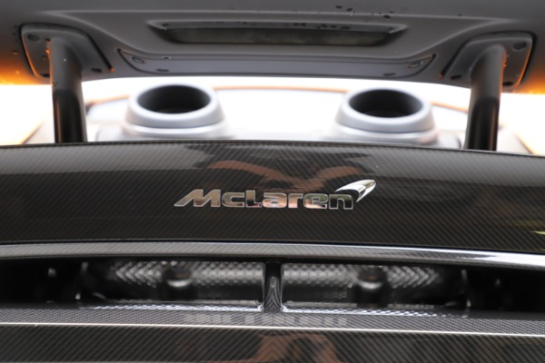 New 2019 McLaren 600LT for sale $279,310 at Rolls-Royce Motor Cars Greenwich in Greenwich CT 06830 24