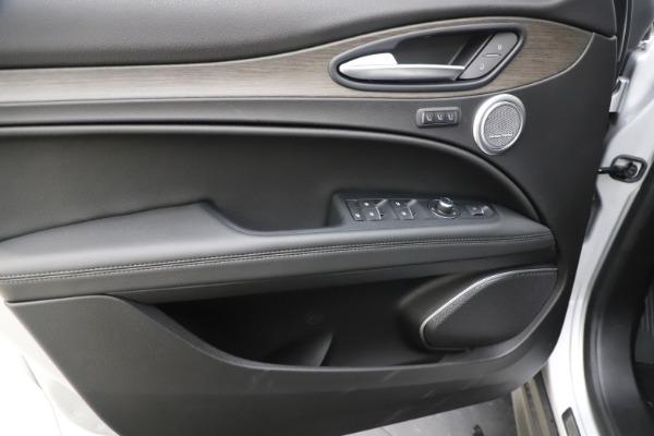 New 2019 Alfa Romeo Stelvio Ti Q4 for sale Sold at Rolls-Royce Motor Cars Greenwich in Greenwich CT 06830 17
