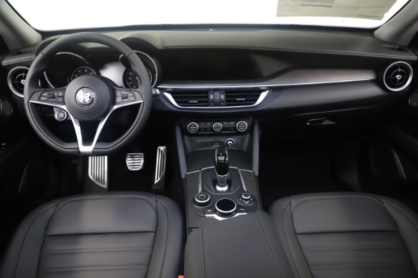 New 2019 Alfa Romeo Stelvio Ti Lusso Q4 for sale Sold at Rolls-Royce Motor Cars Greenwich in Greenwich CT 06830 16
