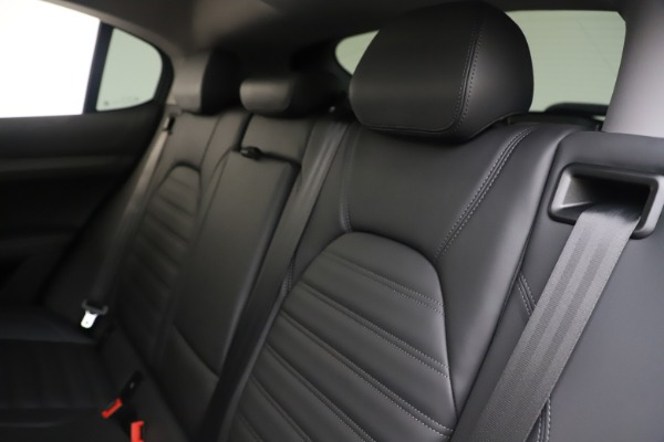 New 2019 Alfa Romeo Stelvio Ti Lusso Q4 for sale Sold at Rolls-Royce Motor Cars Greenwich in Greenwich CT 06830 18