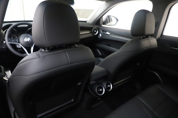 New 2019 Alfa Romeo Stelvio Ti Lusso Q4 for sale Sold at Rolls-Royce Motor Cars Greenwich in Greenwich CT 06830 20
