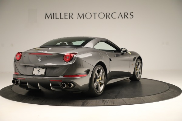 Used 2015 Ferrari California T for sale $146,900 at Rolls-Royce Motor Cars Greenwich in Greenwich CT 06830 16
