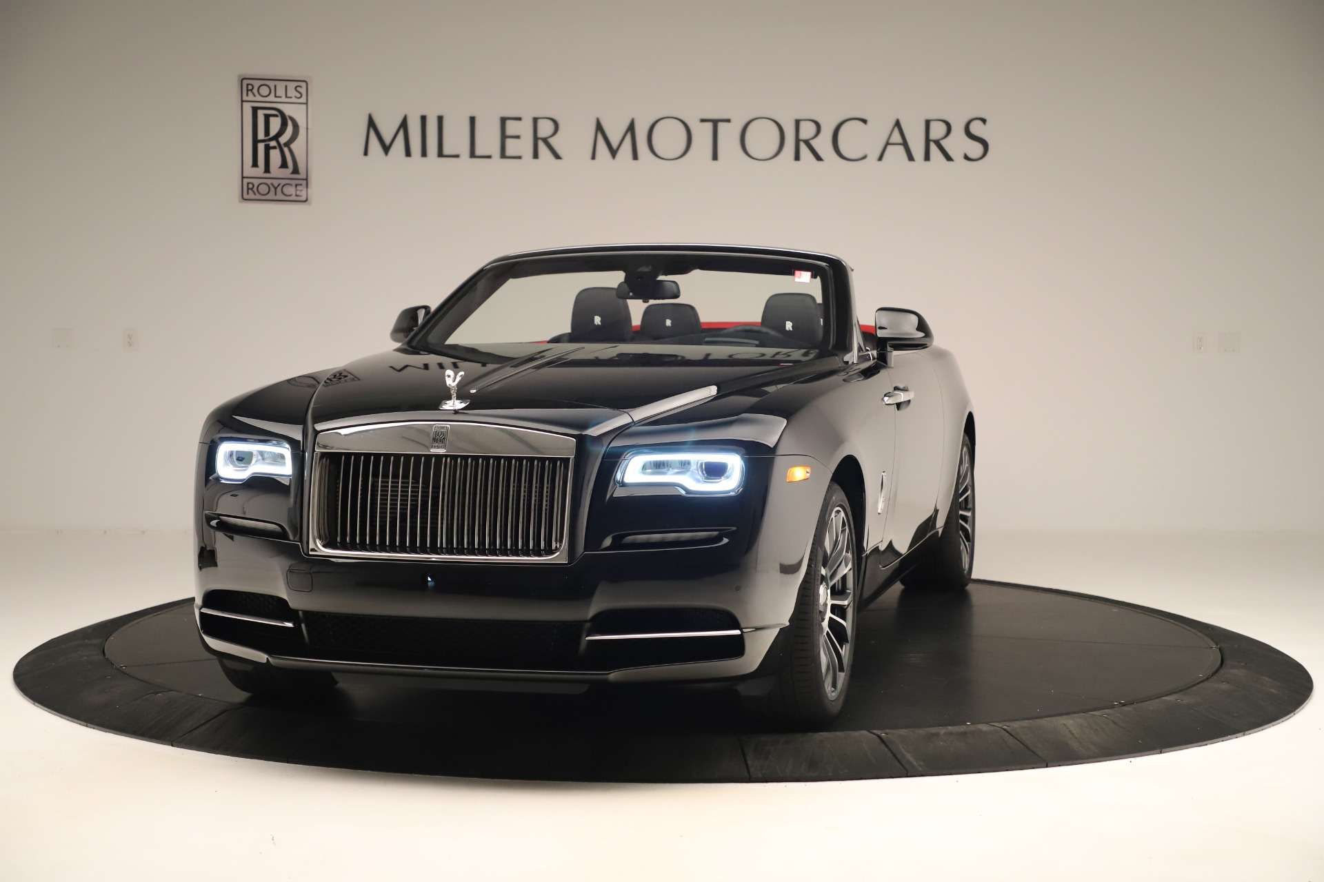 Used 2019 Rolls-Royce Dawn for sale $299,900 at Rolls-Royce Motor Cars Greenwich in Greenwich CT 06830 1