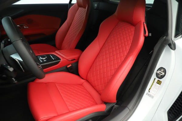Used 2018 Audi R8 5.2 quattro V10 Plus for sale Sold at Rolls-Royce Motor Cars Greenwich in Greenwich CT 06830 16