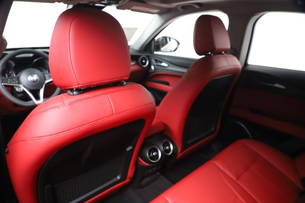 New 2019 Alfa Romeo Stelvio Ti Q4 for sale Sold at Rolls-Royce Motor Cars Greenwich in Greenwich CT 06830 20