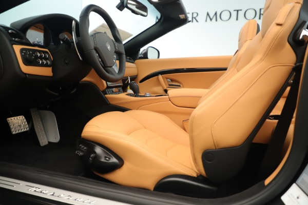 New 2019 Maserati GranTurismo Sport Convertible for sale $161,695 at Rolls-Royce Motor Cars Greenwich in Greenwich CT 06830 20
