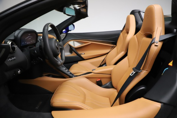 New 2020 McLaren 720S SPIDER Convertible for sale $374,830 at Rolls-Royce Motor Cars Greenwich in Greenwich CT 06830 23
