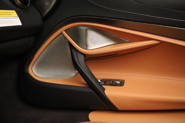 New 2020 McLaren 720S Spider Convertible for sale $372,250 at Rolls-Royce Motor Cars Greenwich in Greenwich CT 06830 12