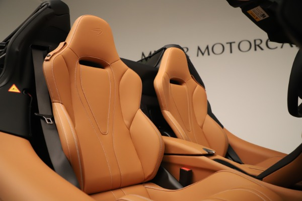 Used 2020 McLaren 720S Spider for sale $334,900 at Rolls-Royce Motor Cars Greenwich in Greenwich CT 06830 13