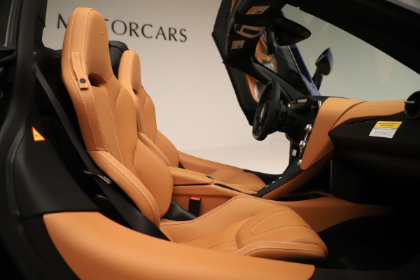 New 2020 McLaren 720S Spider Convertible for sale $372,250 at Rolls-Royce Motor Cars Greenwich in Greenwich CT 06830 14