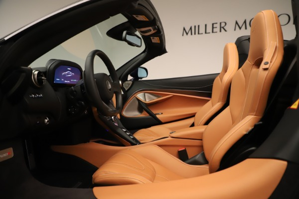 New 2020 McLaren 720S Spider Convertible for sale $372,250 at Rolls-Royce Motor Cars Greenwich in Greenwich CT 06830 17