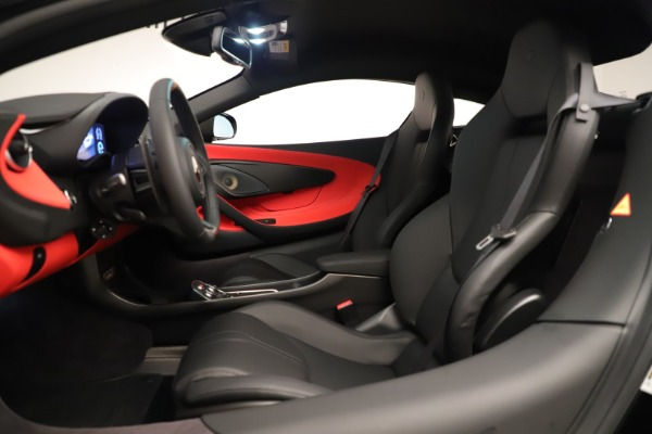 New 2019 McLaren 600LT Coupe for sale $278,790 at Rolls-Royce Motor Cars Greenwich in Greenwich CT 06830 21