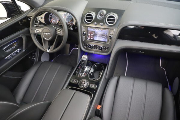 New 2020 Bentley Bentayga V8 for sale Sold at Rolls-Royce Motor Cars Greenwich in Greenwich CT 06830 23