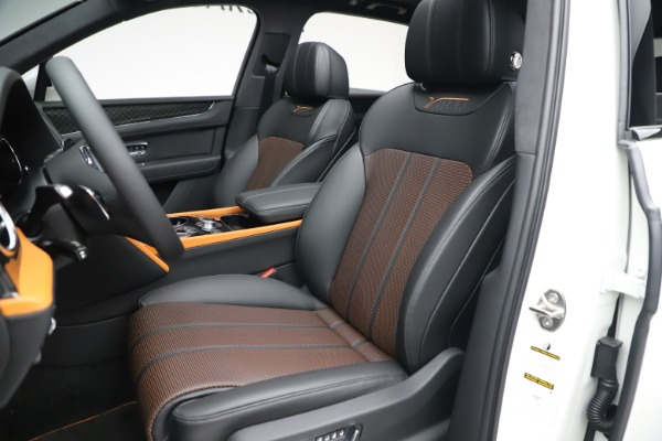 New 2020 Bentley Bentayga V8 Design Series for sale $216,860 at Rolls-Royce Motor Cars Greenwich in Greenwich CT 06830 19