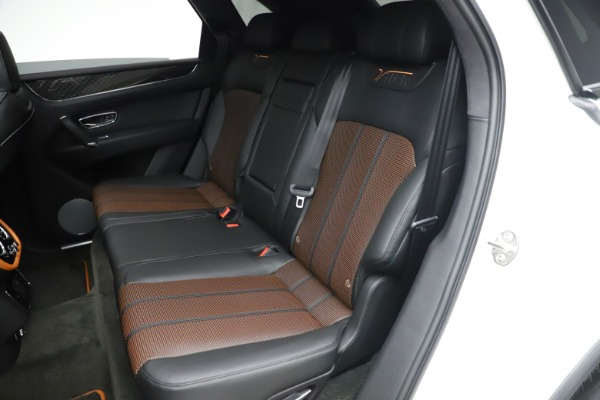 New 2020 Bentley Bentayga V8 Design Series for sale $216,860 at Rolls-Royce Motor Cars Greenwich in Greenwich CT 06830 24