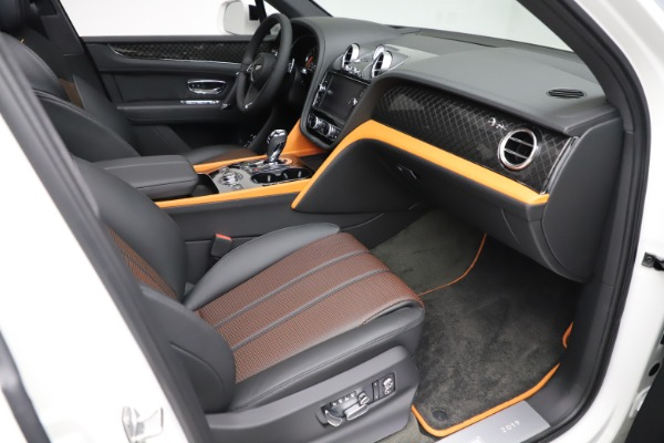 New 2020 Bentley Bentayga V8 Design Series for sale $216,860 at Rolls-Royce Motor Cars Greenwich in Greenwich CT 06830 27
