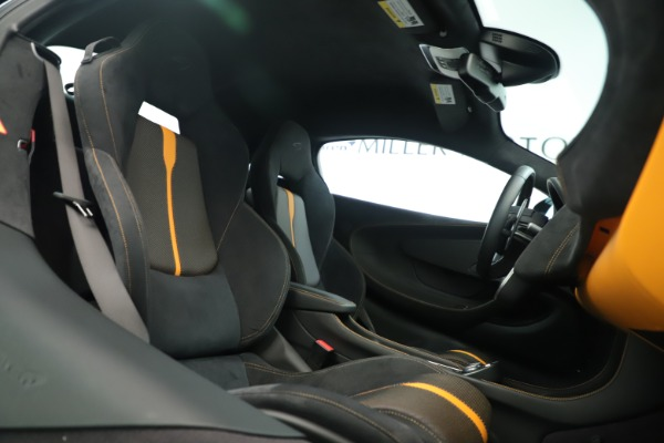 Used 2016 McLaren 570S Coupe for sale Sold at Rolls-Royce Motor Cars Greenwich in Greenwich CT 06830 18