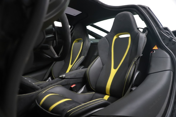 New 2019 McLaren 720S Coupe for sale Sold at Rolls-Royce Motor Cars Greenwich in Greenwich CT 06830 18
