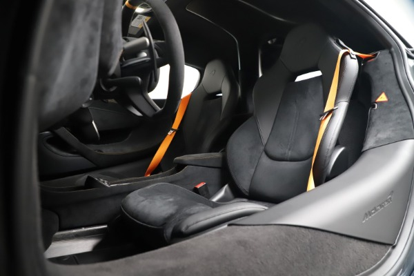 Used 2019 McLaren 600LT for sale $279,900 at Rolls-Royce Motor Cars Greenwich in Greenwich CT 06830 20