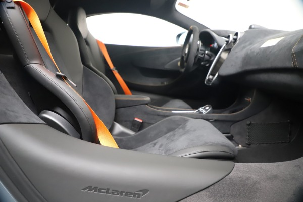 New 2019 McLaren 600LT Coupe for sale $311,619 at Rolls-Royce Motor Cars Greenwich in Greenwich CT 06830 23