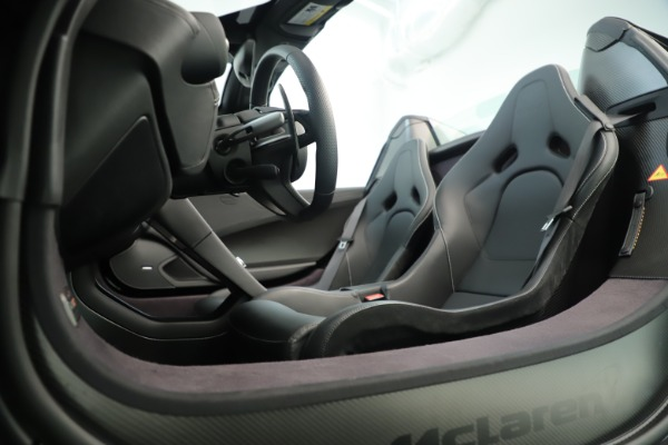 Used 2016 McLaren 675LT Convertible for sale Sold at Rolls-Royce Motor Cars Greenwich in Greenwich CT 06830 22
