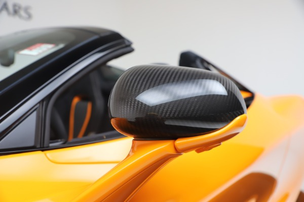 New 2020 McLaren 720S Spider Performance for sale $374,440 at Rolls-Royce Motor Cars Greenwich in Greenwich CT 06830 22
