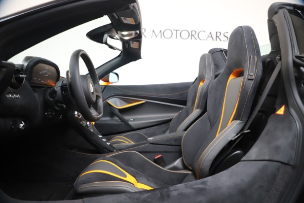 New 2020 McLaren 720S Spider Convertible for sale $374,440 at Rolls-Royce Motor Cars Greenwich in Greenwich CT 06830 25