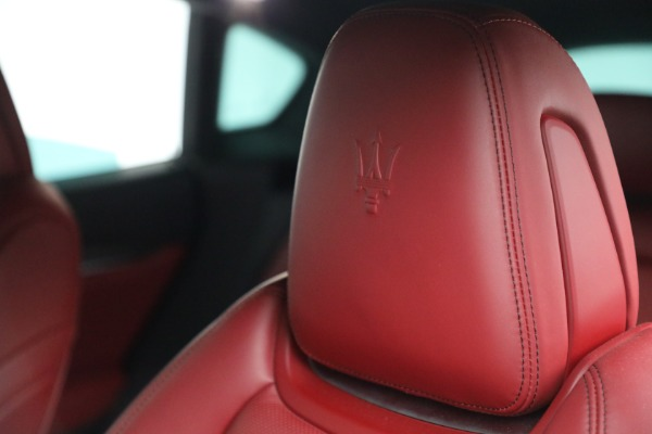 Used 2019 Maserati Levante Q4 GranSport for sale $69,900 at Rolls-Royce Motor Cars Greenwich in Greenwich CT 06830 28
