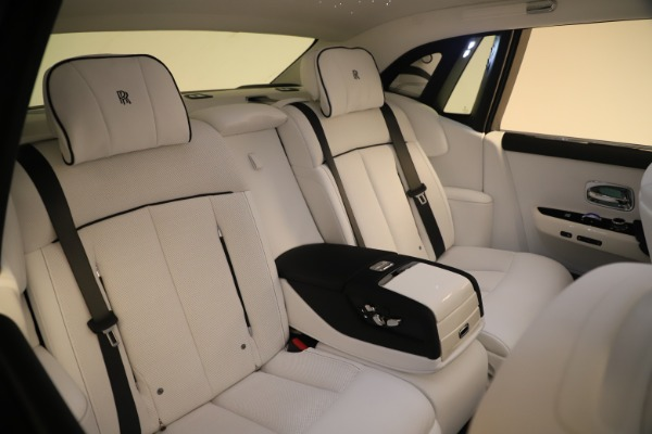 New 2020 Rolls-Royce Phantom for sale $545,200 at Rolls-Royce Motor Cars Greenwich in Greenwich CT 06830 14