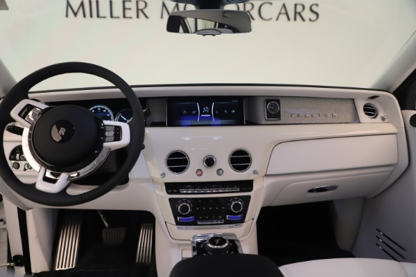 New 2020 Rolls-Royce Phantom for sale $545,200 at Rolls-Royce Motor Cars Greenwich in Greenwich CT 06830 18