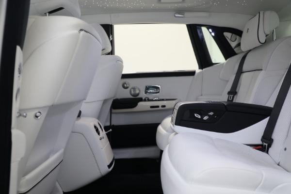 New 2020 Rolls-Royce Phantom for sale $545,200 at Rolls-Royce Motor Cars Greenwich in Greenwich CT 06830 19