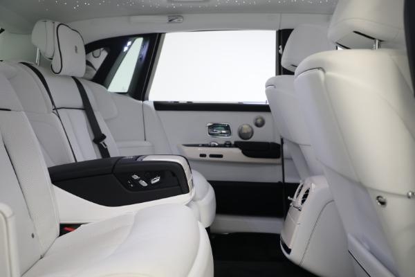 New 2020 Rolls-Royce Phantom for sale $545,200 at Rolls-Royce Motor Cars Greenwich in Greenwich CT 06830 26
