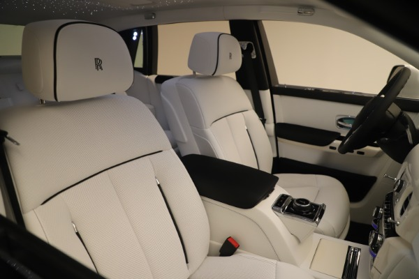 New 2020 Rolls-Royce Phantom for sale $545,200 at Rolls-Royce Motor Cars Greenwich in Greenwich CT 06830 28