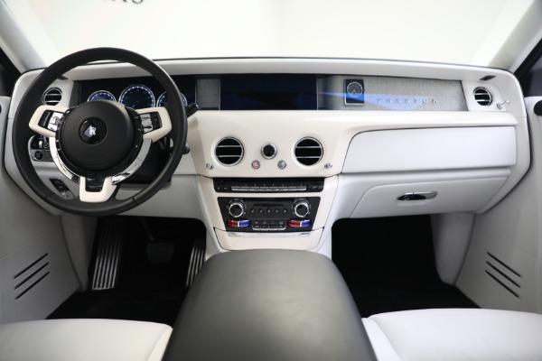 New 2020 Rolls-Royce Phantom for sale $545,200 at Rolls-Royce Motor Cars Greenwich in Greenwich CT 06830 4